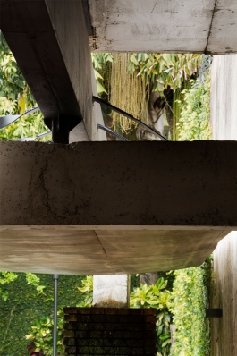 http://www.federicocairoli.com/files/gimgs/th-128_06_Quincho---©-Federico-Cairoli-(low).jpg