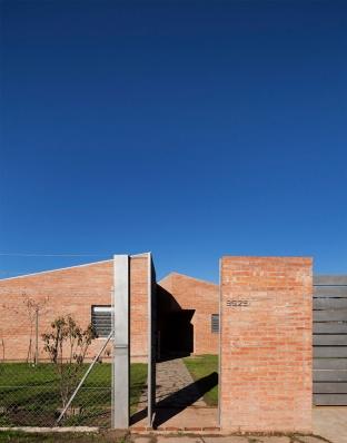 http://www.federicocairoli.com/files/gimgs/th-133_02_Casa-B+R---©-Federico-Cairoli-(low).jpg