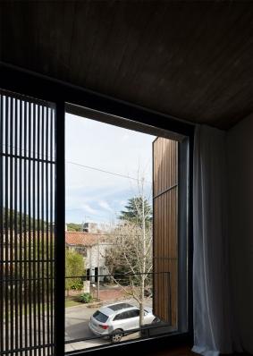 http://www.federicocairoli.com/files/gimgs/th-134_28_Casa-Acassuso---©-Federico-Cairoli-(low).jpg