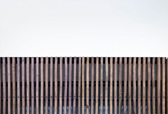 http://www.federicocairoli.com/files/gimgs/th-134_37_Casa-Acassuso---©-Federico-Cairoli-(low).jpg