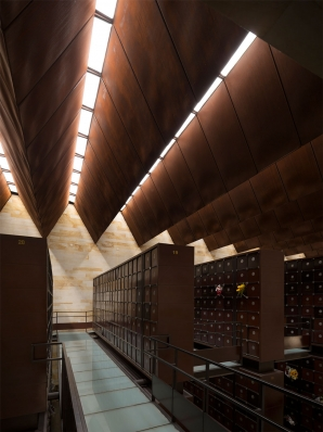 http://www.federicocairoli.com/files/gimgs/th-142_10_Templo-de-las-Cenizas-y-Crematorio---©-Federico-Cairoli-(low).jpg
