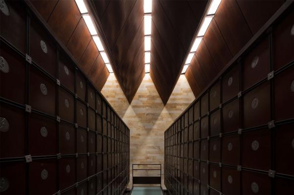 http://www.federicocairoli.com/files/gimgs/th-142_14_Templo-de-las-Cenizas-y-Crematorio---©-Federico-Cairoli-(low).jpg