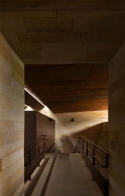 http://www.federicocairoli.com/files/gimgs/th-142_22_Templo-de-las-Cenizas-y-Crematorio---©-Federico-Cairoli-(low).jpg
