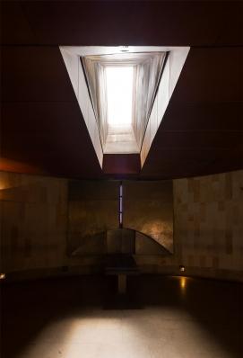 http://www.federicocairoli.com/files/gimgs/th-142_32_Templo-de-las-Cenizas-y-Crematorio---©-Federico-Cairoli-(low).jpg