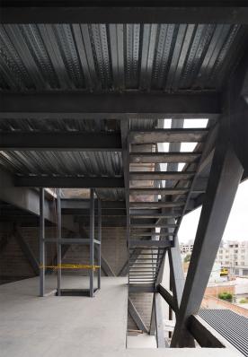 http://www.federicocairoli.com/files/gimgs/th-145_24_Edificio-Melies---©-Federico-Cairoli-(low).jpg
