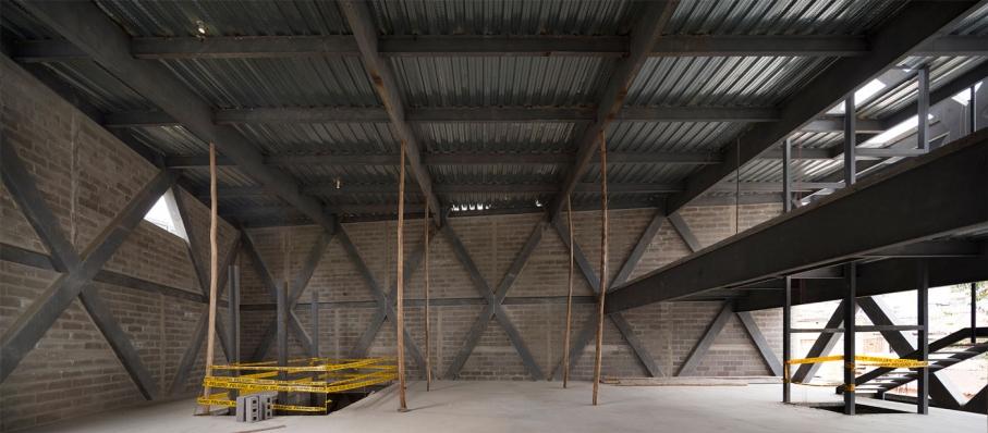 http://www.federicocairoli.com/files/gimgs/th-145_18_Edificio-Melies---©-Federico-Cairoli-(low).jpg