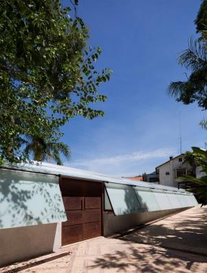 http://www.federicocairoli.com/files/gimgs/th-147_01_Casa-en-Santa-Teresa---©-Federico-Cairoli-(low).jpg