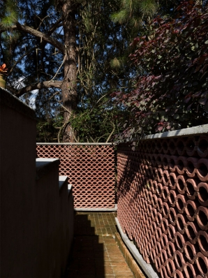 http://www.federicocairoli.com/files/gimgs/th-155_05_Sauna-Sao-Roque---©-Federico-Cairoli-(low).jpg
