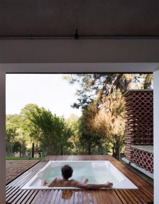 http://www.federicocairoli.com/files/gimgs/th-155_29_Sauna-Sao-Roque---©-Federico-Cairoli-(low).jpg