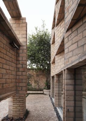 http://www.federicocairoli.com/files/gimgs/th-277_64_Oficinas Nordeste - © Federico Cairoli (low).jpg