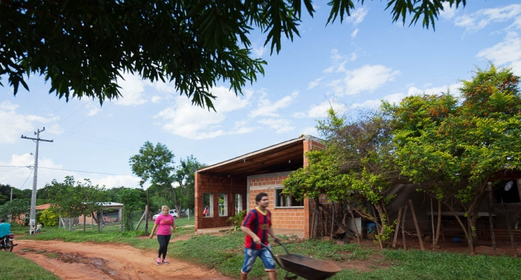 http://www.federicocairoli.com/files/gimgs/th-71_02_Centro de Desarrollo Comuniatio - Ph_Federico Cairoli.jpg