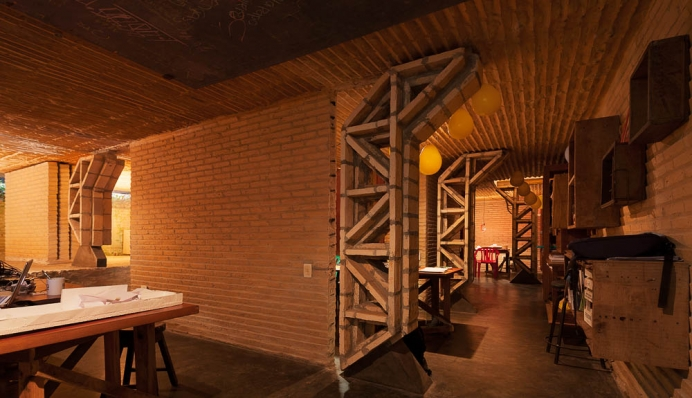 http://www.federicocairoli.com/files/gimgs/th-76_06_Gabinete de Arquitectura - Ph_Federico Cairoli (low)_v2.jpg