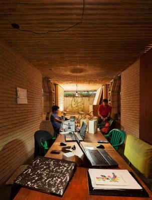 http://www.federicocairoli.com/files/gimgs/th-76_09_Gabinete de Arquitectura - Ph_Federico Cairoli (low)_v2.jpg