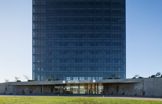 http://www.federicocairoli.com/files/gimgs/th-96_03_Hotel UNL - ATE - © Federico Cairoli (low).jpg