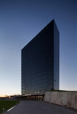 http://www.federicocairoli.com/files/gimgs/th-96_37_Hotel UNL - ATE - © Federico Cairoli (low).jpg