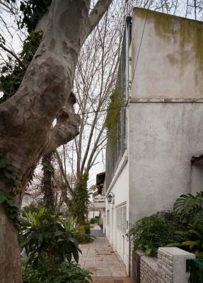http://www.federicocairoli.com/files/gimgs/th-16_04_Casa Silvina y Omar - Ph_Federico Cairoli (low).jpg