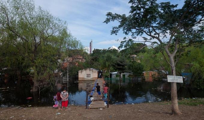http://www.federicocairoli.com/files/gimgs/th-26_02_Puente Aqua Alta - Ph_Federico Cairoli (low).jpg