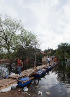 http://www.federicocairoli.com/files/gimgs/th-26_14_Puente Aqua Alta - Ph_Federico Cairoli (low).jpg