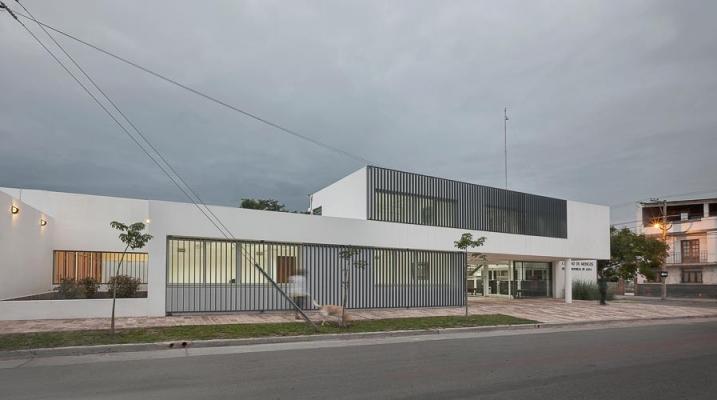 http://www.federicocairoli.com/files/gimgs/th-13_23_Colegio de  Médicos de Salta - Ph_Federico Cairoli (low).jpg