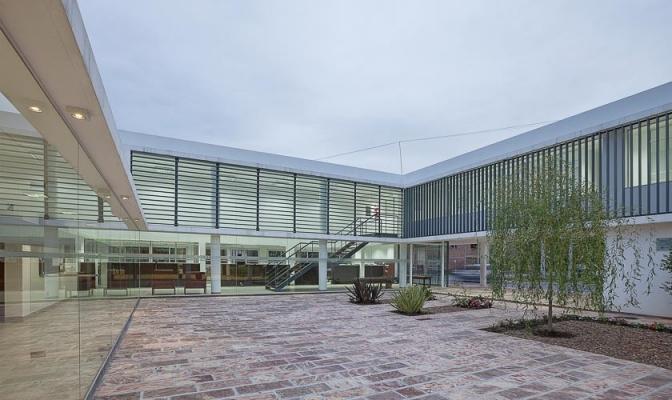 http://www.federicocairoli.com/files/gimgs/th-13_25_Colegio de  Médicos de Salta - Ph_Federico Cairoli (low).jpg