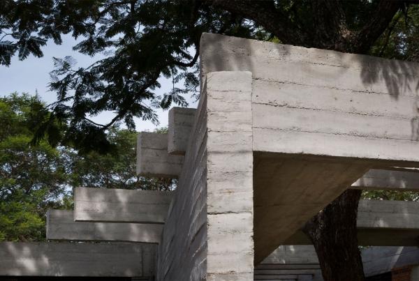 http://www.federicocairoli.com/files/gimgs/th-148_07_Vivienda-Los-Mangos---©-Federico-Cairoli-(low).jpg