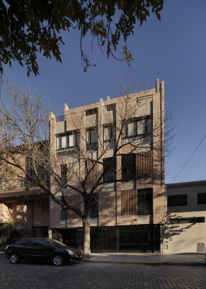 http://www.federicocairoli.com/files/gimgs/th-306_02_Edificio Olaguer - © Federico Cairoli (low).jpg