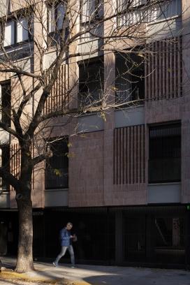 http://www.federicocairoli.com/files/gimgs/th-306_11_Edificio Olaguer - © Federico Cairoli (low).jpg
