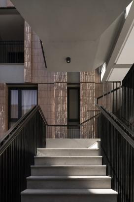 http://www.federicocairoli.com/files/gimgs/th-306_21_Edificio Olaguer - © Federico Cairoli (low).jpg
