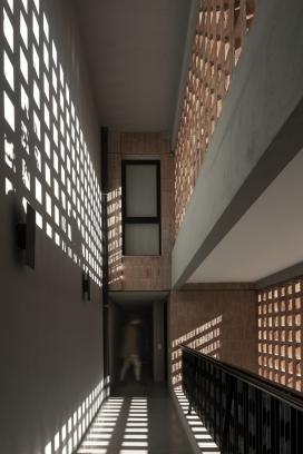http://www.federicocairoli.com/files/gimgs/th-306_18_Edificio Olaguer - © Federico Cairoli (low).jpg