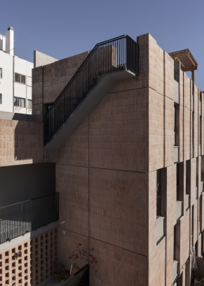 http://www.federicocairoli.com/files/gimgs/th-306_35_Edificio Olaguer - © Federico Cairoli (low).jpg