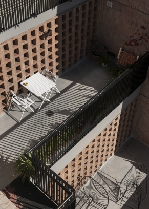 http://www.federicocairoli.com/files/gimgs/th-306_36_Edificio Olaguer - © Federico Cairoli (low).jpg