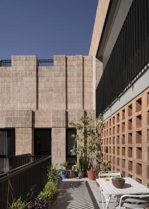 http://www.federicocairoli.com/files/gimgs/th-306_40_Edificio Olaguer - © Federico Cairoli (low).jpg