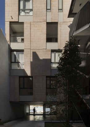 http://www.federicocairoli.com/files/gimgs/th-306_46_Edificio Olaguer - © Federico Cairoli (low).jpg
