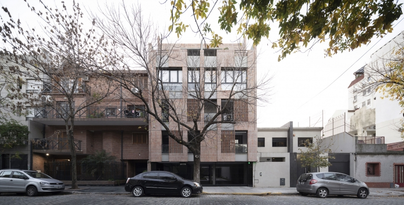 http://www.federicocairoli.com/files/gimgs/th-306_52_Edificio Olaguer - © Federico Cairoli (low).jpg