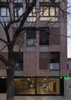 http://www.federicocairoli.com/files/gimgs/th-306_56_Edificio Olaguer - © Federico Cairoli (low).jpg