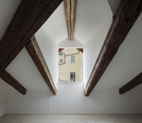 http://www.federicocairoli.com/files/gimgs/th-320_37_Apartamento Moreno- © Federico Cairoli (low).jpg